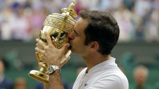 Federer con trofeo