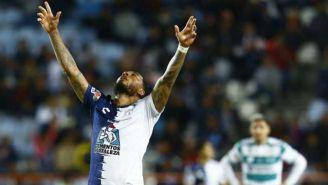 Kazim Richards en festejo de gol con Pachuca