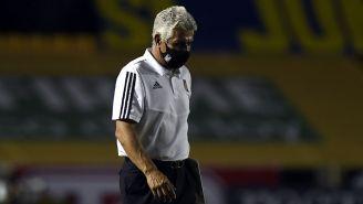 Tuca Ferretti en el partido contra Pachuca