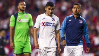 Jugadores de Cruz Azul en el Estadio Caliente
