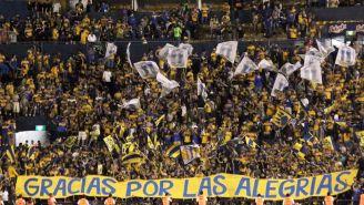 Afición de Tigres muestra su apoyo en el estadio