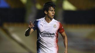 JJ Macías festeja un gol con Chivas