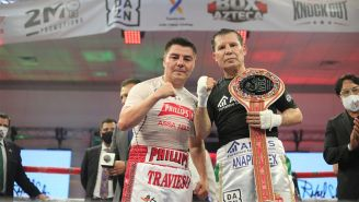 Julio César Chávez y el Travieso Arce en el ring