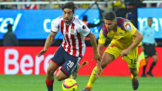 Rodolfo Pizarro en un Clásico Nacional