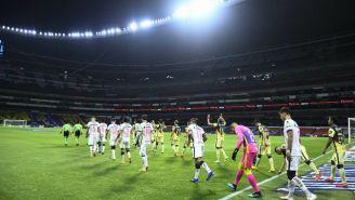 América vs Pumas en un Estadio Azteca vació
