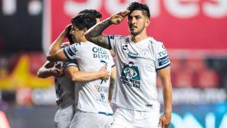 Víctor Guzmán celebrando gol ante Xolos