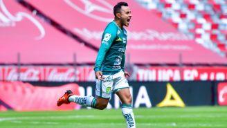 Luis Montes luego de anotar gol ante Toluca