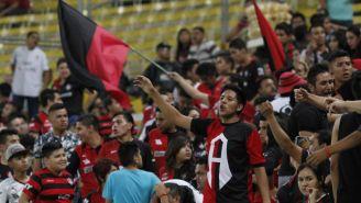 Atlas: Aficionados recibieron con insultos y amenazas a jugadores en aeropuerto