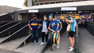 Aficionados, en el homenaje a Maradona en el Azteca