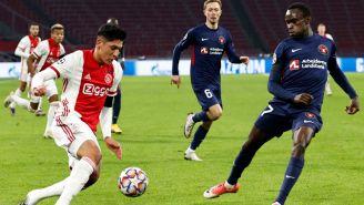 Edson Álvarez en el duelo de Champions League