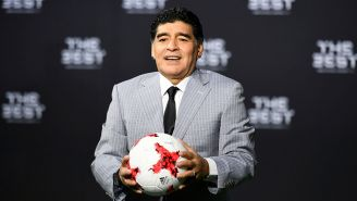Maradona en un evento con la FIFA