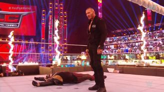 Randy Orton incendió a Bray Wyatt en el evento TLC