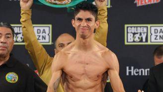 Rey Vargas durante un pesaje