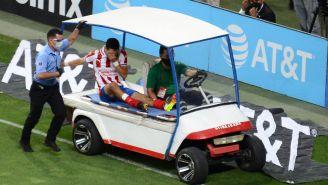 Molina abandona el campo tras una lesión