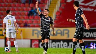 Escoboza festeja gol ante Pumas