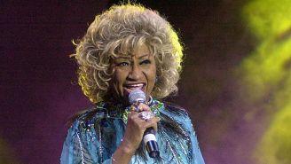 Celia Cruz durante un concierto