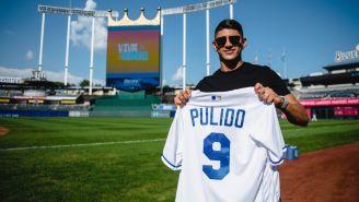Alan Pulido visitó a Kansas City Royals