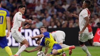Edson Álvarez durante partido con el Ajax frente al Cambuur en la Eredivisie