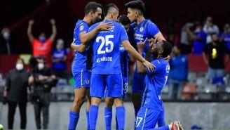 Los jugadores de Cruz Azul celebrando el gol