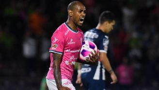 Diego Rolán festejando el primer gol de Juárez