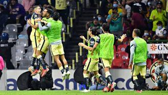 Los jugadores del América celebrando un gol