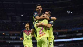 Jugadores del América festejan gol vs Tigres