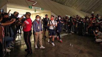 Aficionados de Chivas recibieron así a los jugadores