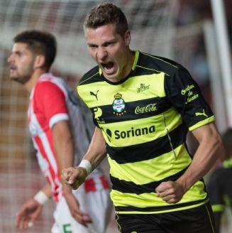 Furch celebra su gol contra los Rayos
