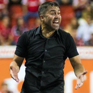 Eduardo Coudet en el partido contra Pachuca