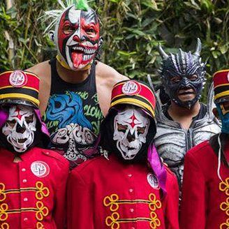 Psycho Clown con los niños de la Lotería Nacional