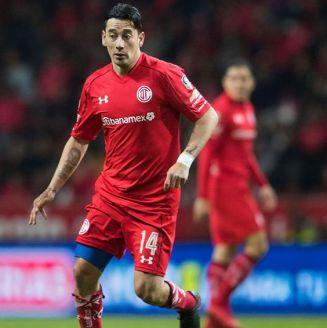 Sambueza durante el partido contra Morelia