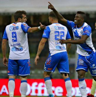 Félix Micolta festeja un gol contra el América