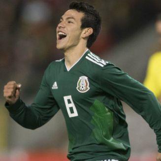 Hirving Lozano festeja un gol con la Selección Mexicana