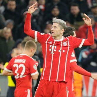 Lewandowski pide aliento en un partido del Bayern Munich