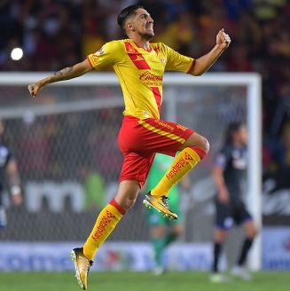 Diego Valdés festeja gol con Monarcas