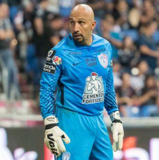 Óscar Pérez, en un juego con Pachuca en el A2017