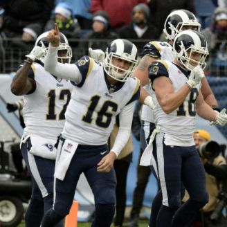 Rams festeja TD de Cooper Kupp frente a Titans