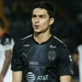 Stefan Medina en lamento durante un partido contra Lobos BUAP