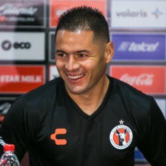 Pablo Aguilar, feliz durante su presentación con Xolos