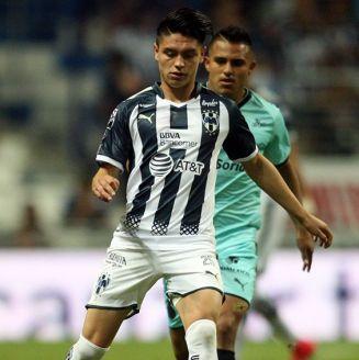 Jonathan González, durante juego con Monterrey