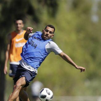 Tevez entrena con el equipo en su regreso a Boca Juniors
