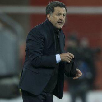 Juan Carlos Osorio, durante un juego del Tri en Europa