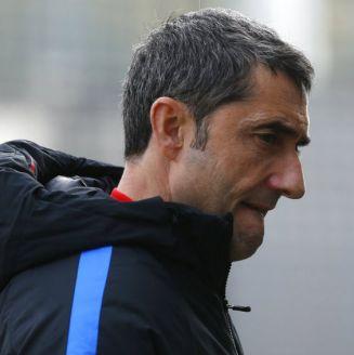 Ernesto Valverde en un entrenamiento del Barcelona