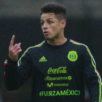 Javier Hernández, en un entrenamiento con la Selección Nacional