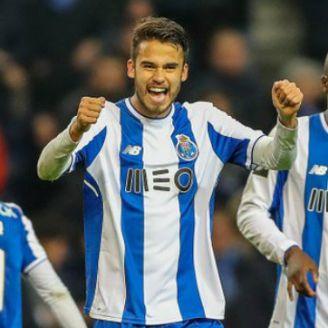 Reyes celebra la victoria del Porto