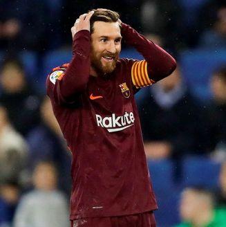 Messi se lamenta tras fallar penalti contra el Espanyol