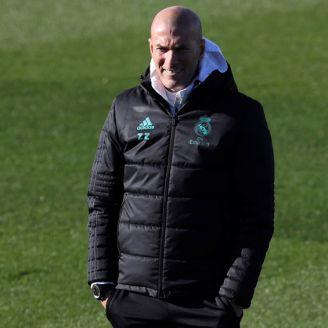 Zidane observa un entrenamiento del Real Madrid