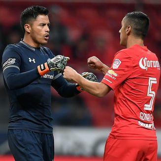 Alfredo Talavera en el partido contra Santos