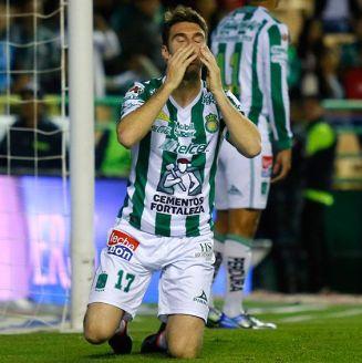 Boselli se lamenta durante un partido del León