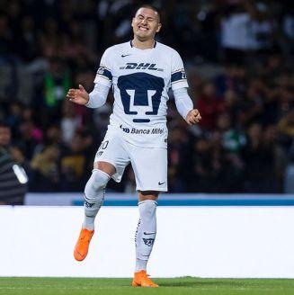 Nico Castillo se lamenta después de una falla